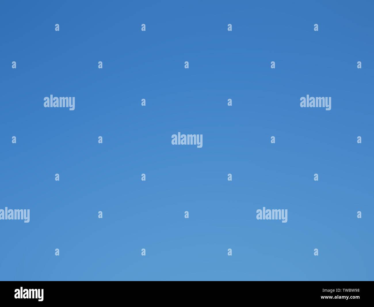 Realmente un cielo azul sin nubes tomadas desde el cielo real a la hora de verano de luz diurna Imagen De Stock