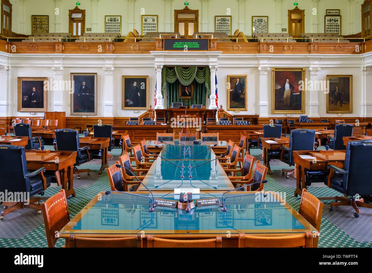 AUSTIN, Texas - El interior de la cámara del Senado de la Legislatura del Estado de Texas en el interior del Capitolio del Estado de Texas, en Austin, Texas. Foto de stock