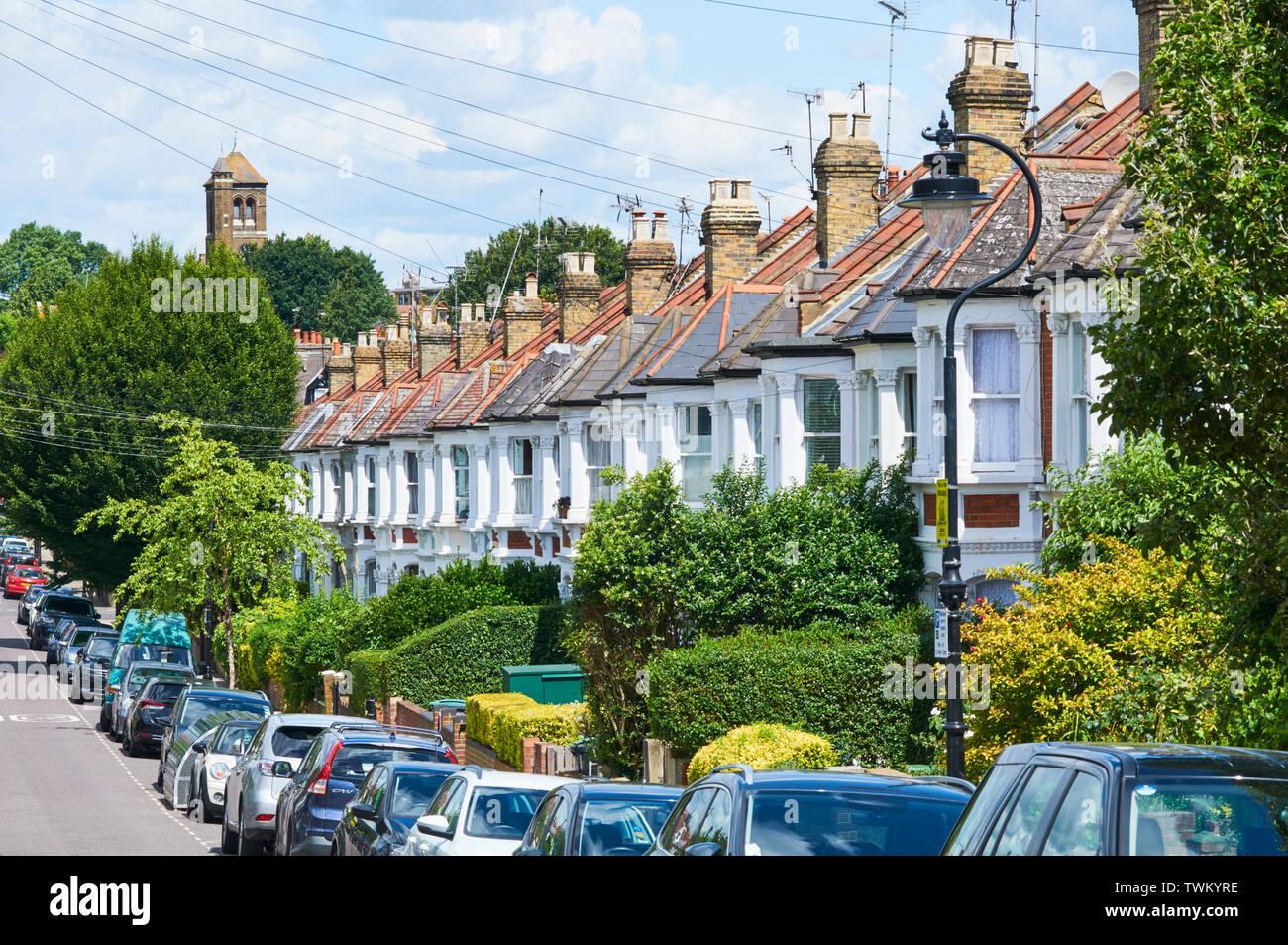 Cambio de siglo casas adosadas a lo largo de Nelson Road, Crouch End, Londres, Reino Unido Imagen De Stock