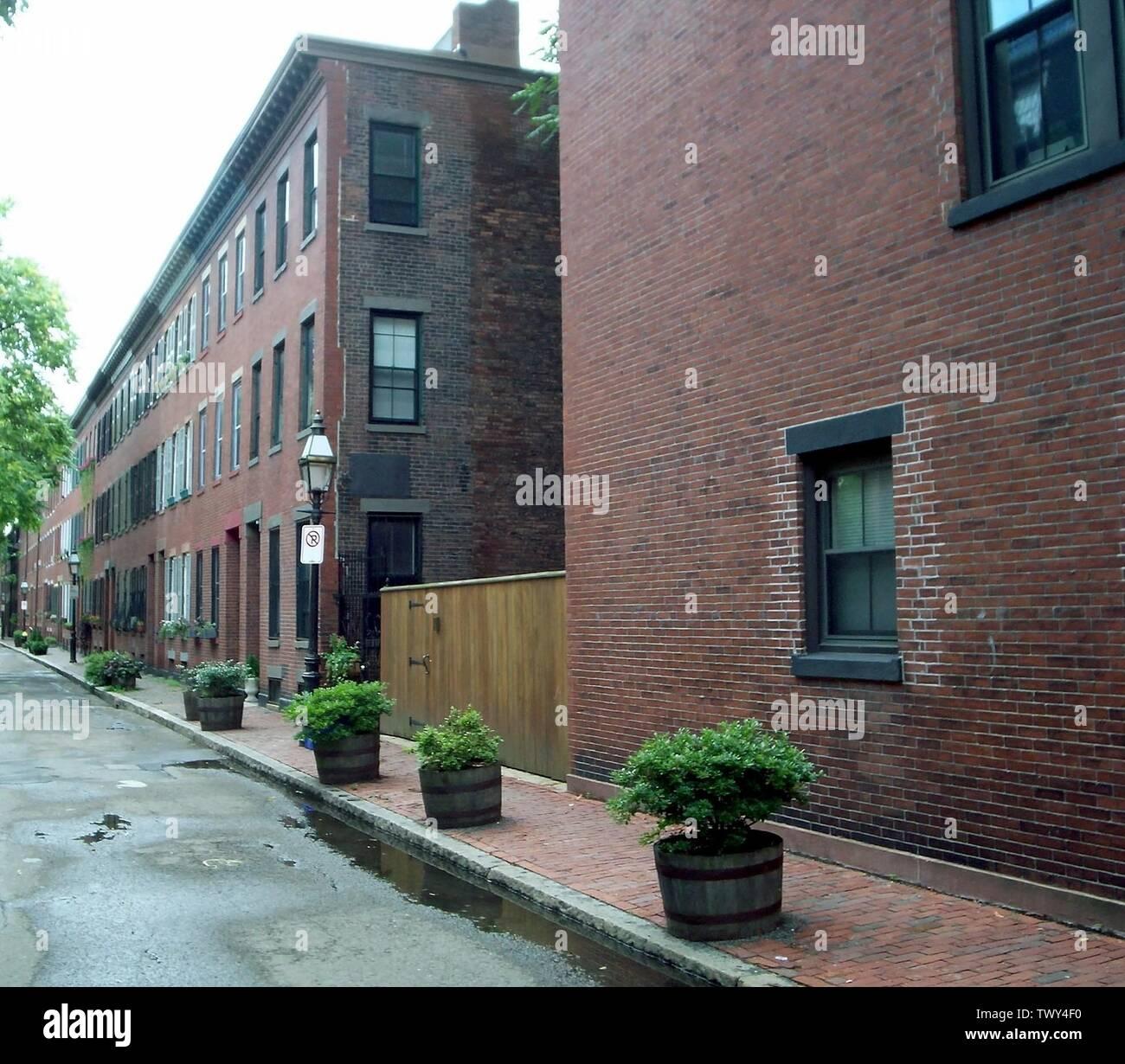 """""""Inglés: calles en el extremo sur.; 24 de julio de 2006; el propio trabajo; Boston_Starbucks_Rebelde (Hablar) (cargas); ' Imagen De Stock"""