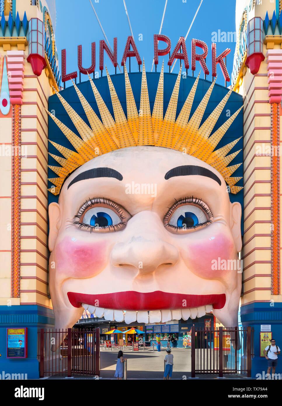 Entrada al parque de atracciones Luna Park, Milsons Point, Sydney, New South Wales, Australia Imagen De Stock