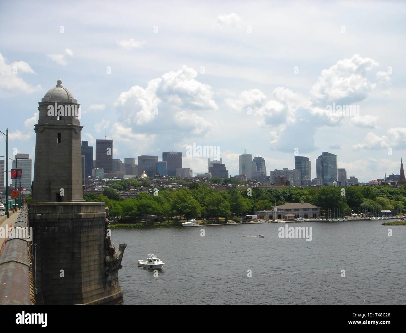 """""""Inglés: Longfellow Bridge en Boston.; 4 de julio de 2007 (fecha de carga original); trasladado desde en.wikipedia a Commons by Bidgee utilizando ROxBo CommonsHelper.; en la Wikipedia en inglés; ' Imagen De Stock"""