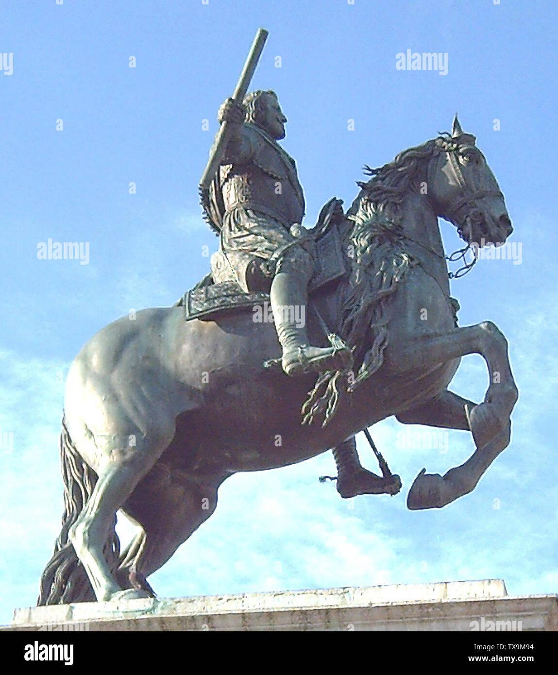 """""""Inglés: estatua ecuestre de Felipe IV de España (1605-1665). Realizado por Pietro Tacca (1577-1640) entre 1634 y 1640. Es parte del monumento en la Plaza de Oriente (cuadrado) en Madrid (España), inaugurado en 1843. Español: Estatua ecuestre de bronce de Felipe IV de España (1605-1665). Realizada por Pietro Tacca (1577-1640) entre 1634 y 1640. Es parte del monumento situado en la Plaza de Oriente de Madrid (España) e inaugurado en 1843.; 9 de abril de 2006; el propio trabajo; Luis García (Zaqarbal); ' Imagen De Stock"""