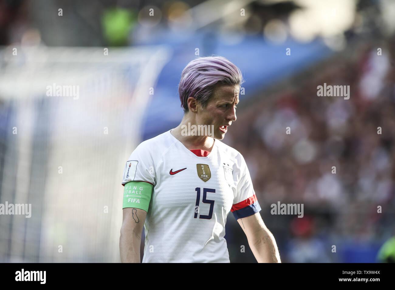Junio 24, 2019 - Megan Rapinoe 15; durante la Francia 2019 Copa del Mundo de Fútbol Femenino de octavos de final del partido de fútbol entre España y EE.UU., el 24 de junio de 2019, en el estadio Auguste-Delaune en Reims, en el norte de Francia. (Crédito de la Imagen: © Elyxandro CegarraZUMA Wire) Imagen De Stock