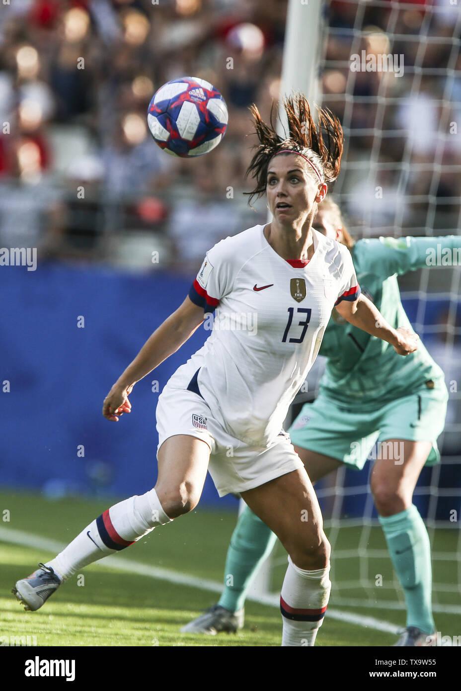 Junio 24, 2019 - Alex Morgan (Estados Unidos), en la Francia de 2019 Mujeres de la Copa del Mundo en octavos de final del partido de fútbol entre España y EE.UU., el 24 de junio de 2019, en el estadio Auguste-Delaune en Reims, en el norte de Francia. (Crédito de la Imagen: © Elyxandro CegarraZUMA Wire) Imagen De Stock