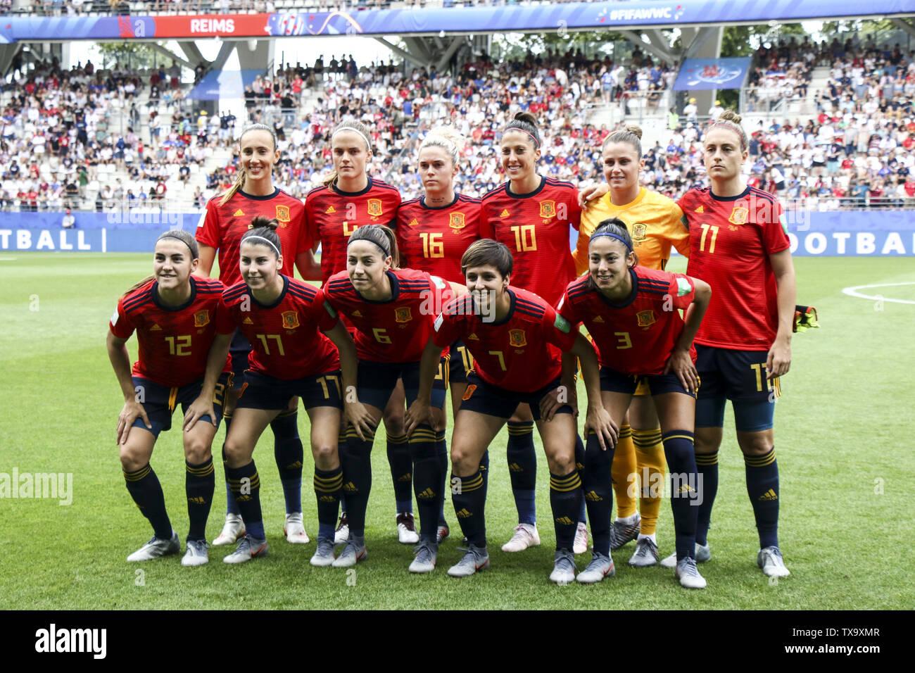 Junio 24, 2019 - España Equipo, durante la Francia de 2019 Mujeres de la Copa del Mundo en octavos de final del partido de fútbol entre España y EE.UU., el 24 de junio de 2019, en el estadio Auguste-Delaune en Reims, en el norte de Francia. (Crédito de la Imagen: © Elyxandro CegarraZUMA Wire) Imagen De Stock