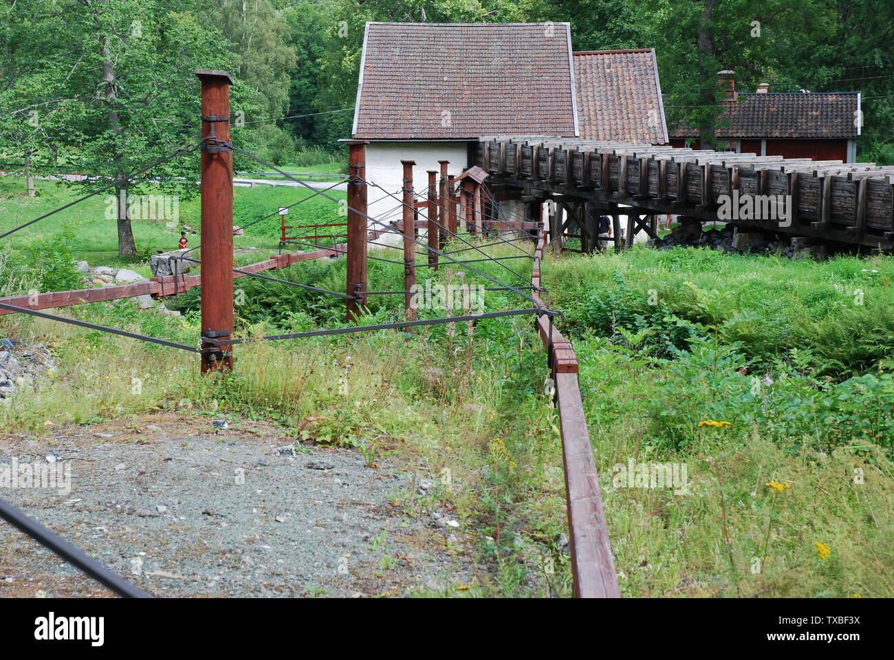 """""""Varillas de madera la transmisión y rueda de agua casa en Pershyttan, Nora, Suecia; 5 de agosto de 2007; el propio trabajo Fotógrafo: Bengt Oberger; boberger; ' Imagen De Stock"""