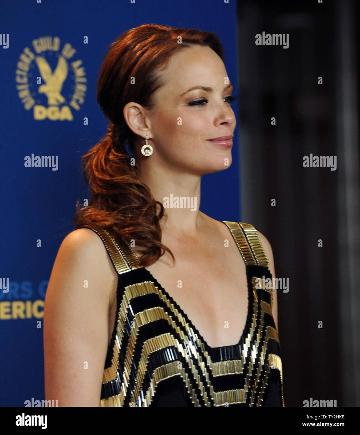 'El artista', miembro del reparto Berenice Bejo backstage aparece en la 64ª anual de Directors Guild of America Awards en Los Angeles el 28 de enero de 2012. UPI/Jim Ruymen Imagen De Stock