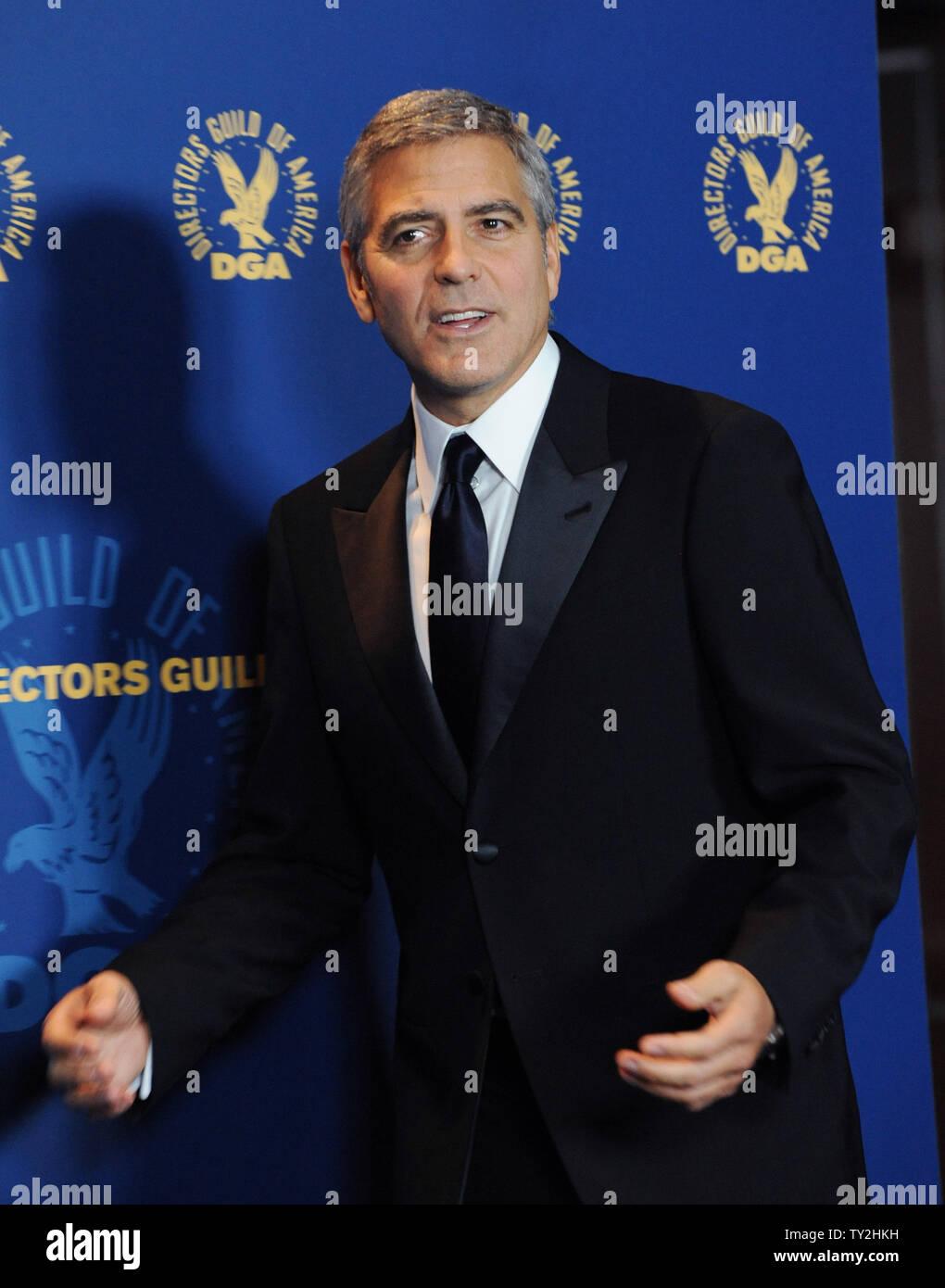 'Los descendientes' miembro del reparto George Clooney aparece backstage en la 64ª anual de Directors Guild of America Awards en Los Angeles el 28 de enero de 2012. UPI/Jim Ruymen Imagen De Stock