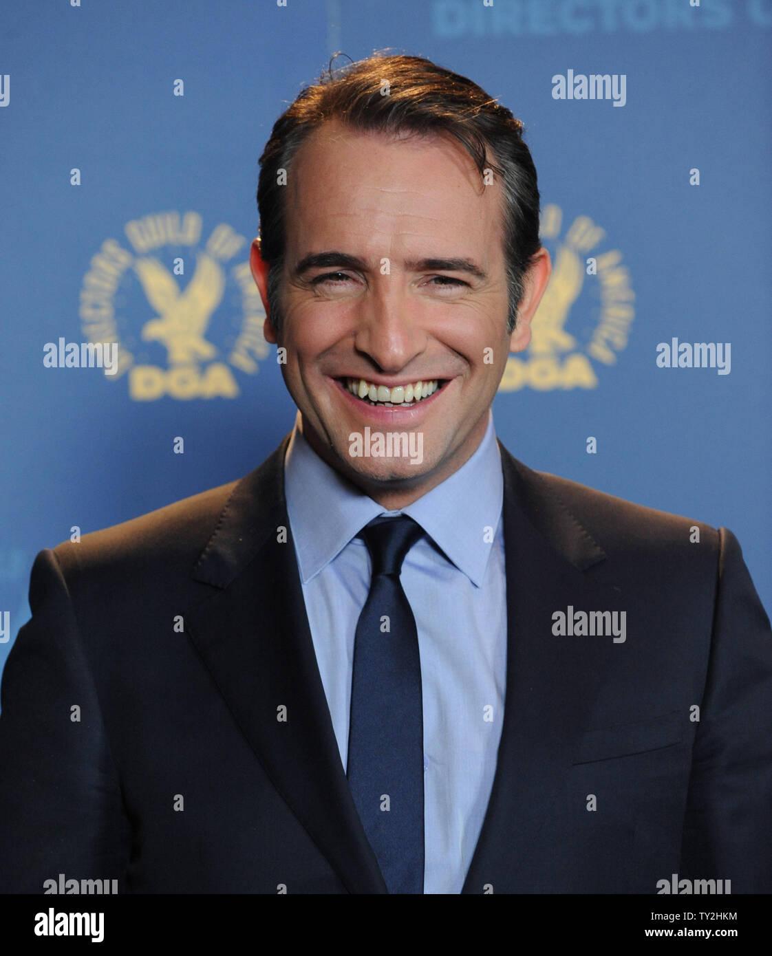 'El artista' miembro del reparto Jean Dujardin parece backstage en la 64ª anual de Directors Guild of America Awards en Los Angeles el 28 de enero de 2012. UPI/Jim Ruymen Imagen De Stock