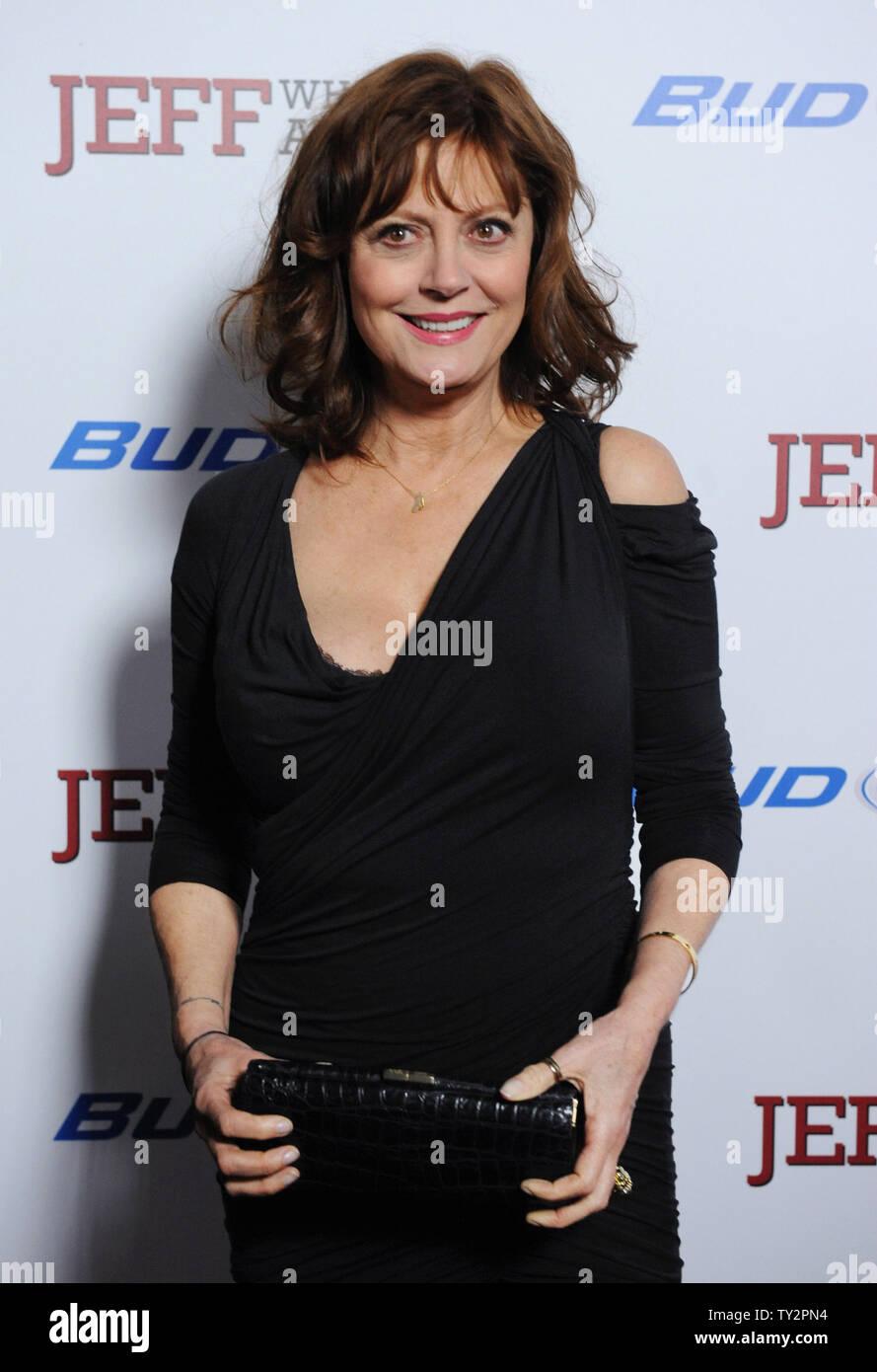 """Susan Sarandon, un miembro del reparto en la Motion Picture comedia 'Jeff, quien vive en casa"""", asiste al estreno de la película en el Directors Guild of America en Los Ángeles el 7 de marzo de 2012. UPI/jim Ruymen Imagen De Stock"""
