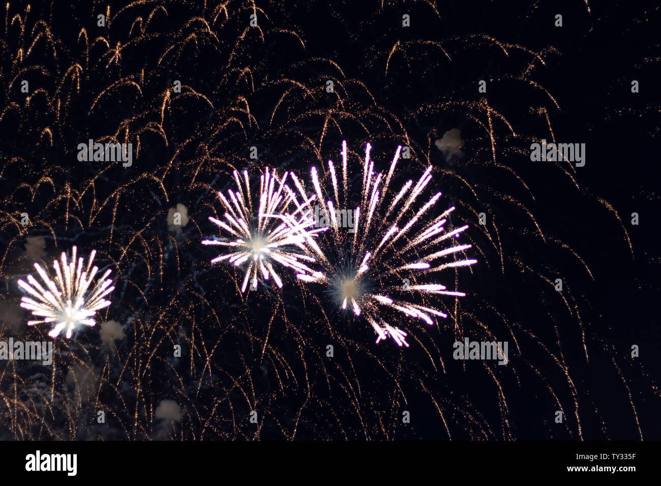 Celebración de Navidad de papel tapiz de fondo de Fireworks Foto de stock