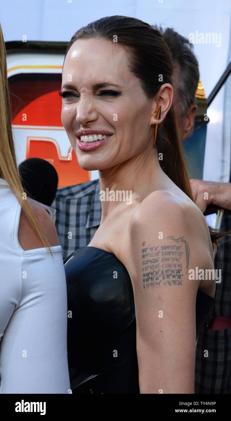 Miembro Del Reparto Angelina Jolie Asiste A La Premiere De