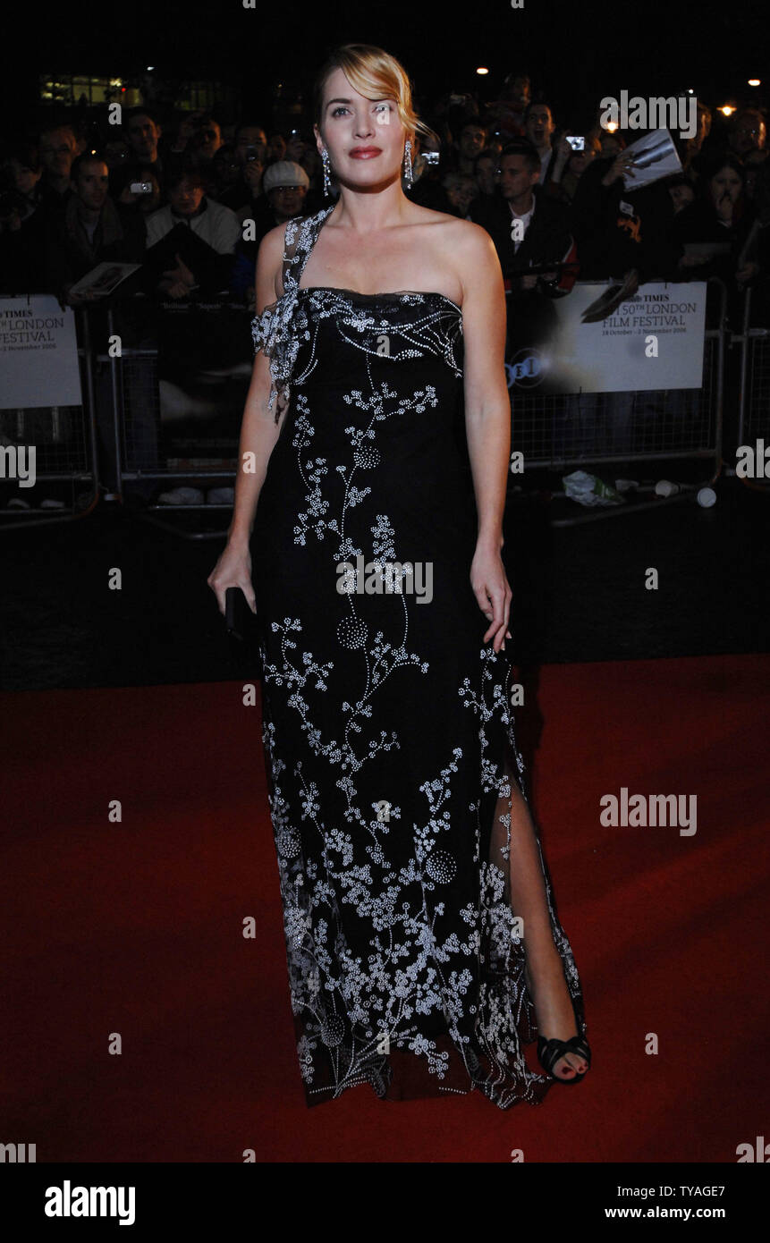 La actriz británica Kate Winslet atiende el Times BFI London Film Festival: 'Little Children' en el Odeon West End, Leicester Square en Londres el 25 de octubre de 2006. (UPI Photo/Rune Hellestad) Foto de stock
