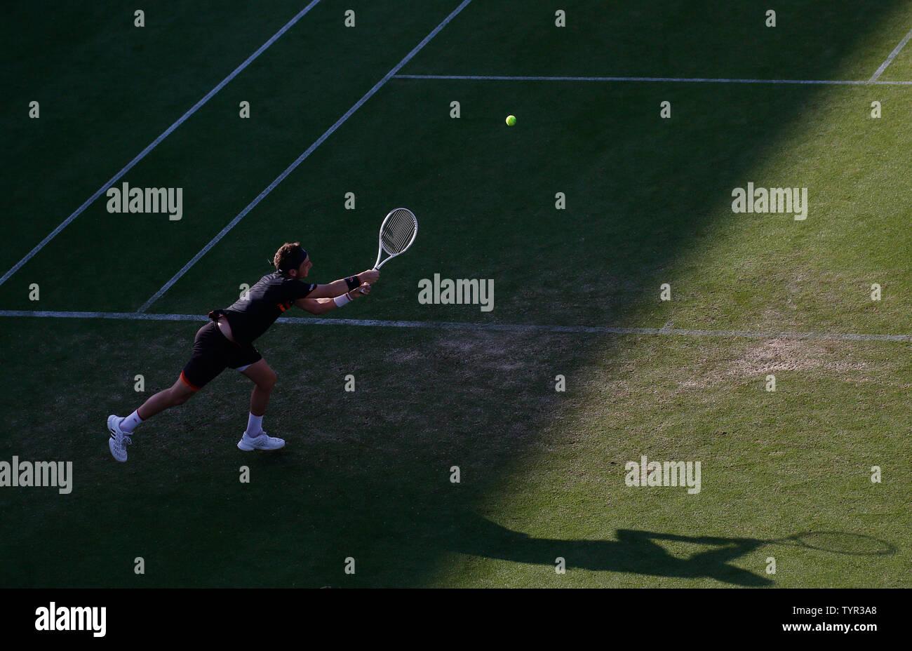 Devonshire Park, Eastbourne, Reino Unido. El 26 de junio, 2019. Nature Valley torneo de tenis internacional; Cameron Norrie (GBR) desempeña un disparo de revés contra Kyle Edmund (GBR) Credit: Además de los deportes de acción/Alamy Live News Foto de stock
