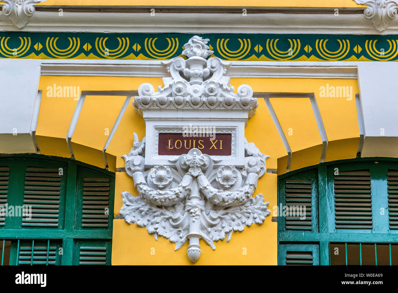 Vietnam, Ho Chi Minh (Saigón), detalles de la fachada de la Oficina Central de Correos (del siglo xix). Foto de stock