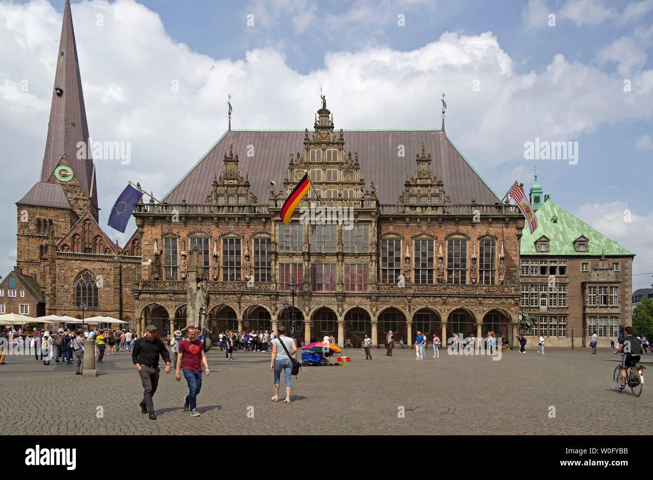 Iglesia De Nuestra Señora Y El Ayuntamiento Bremen Alemania Fotografía De Stock Alamy