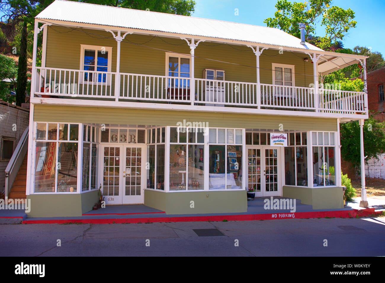 Sentido del lugar artístico en tienda Avenue en la histórica Cervecería Bisbee AZ Imagen De Stock