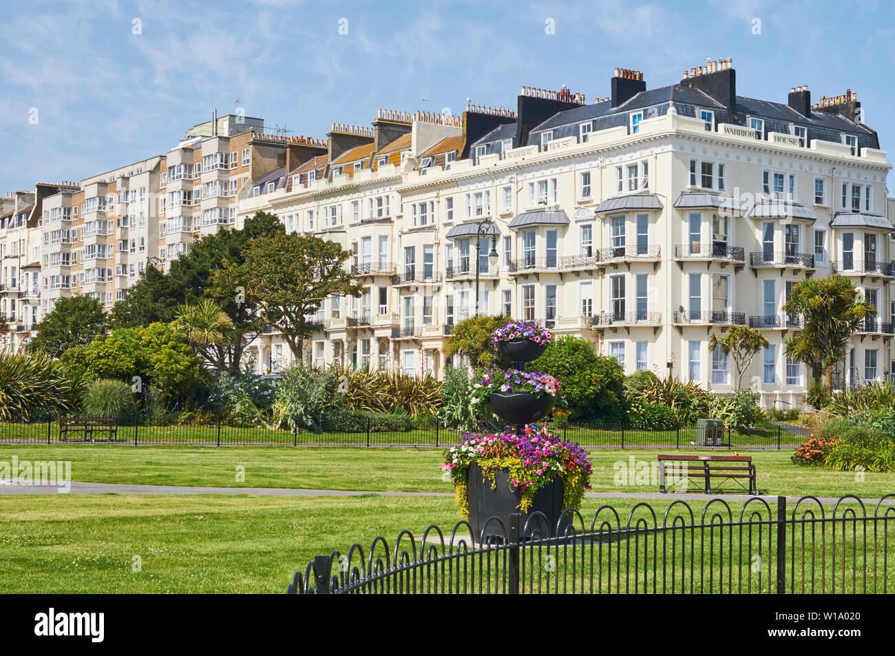 Terrazas y jardines victorianos en Warrior Square, St Leonards on Mar, East Sussex, en la costa sur de Inglaterra Imagen De Stock
