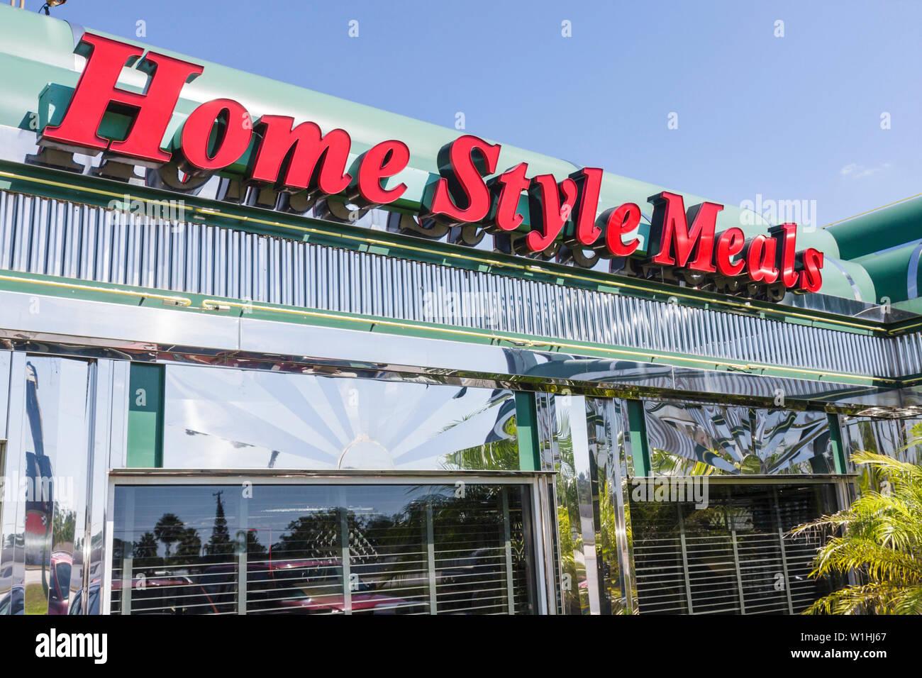 Florida Sebring Sebring US Route 27 Diner nostalgia restaurante informal de negocios home comidas estilo Americana signo de acero inoxidable Imagen De Stock