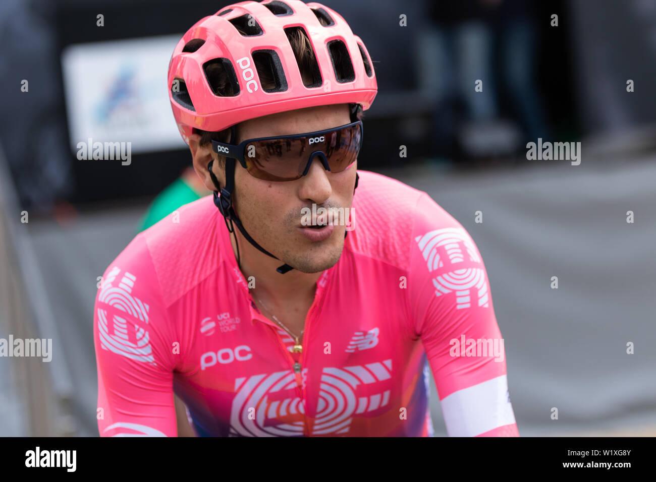 Ciclista italiano Alberto Bettiol de primera enseñanza, Equipo de Ciclismo 2019 en el criterium du Dauphine Foto de stock