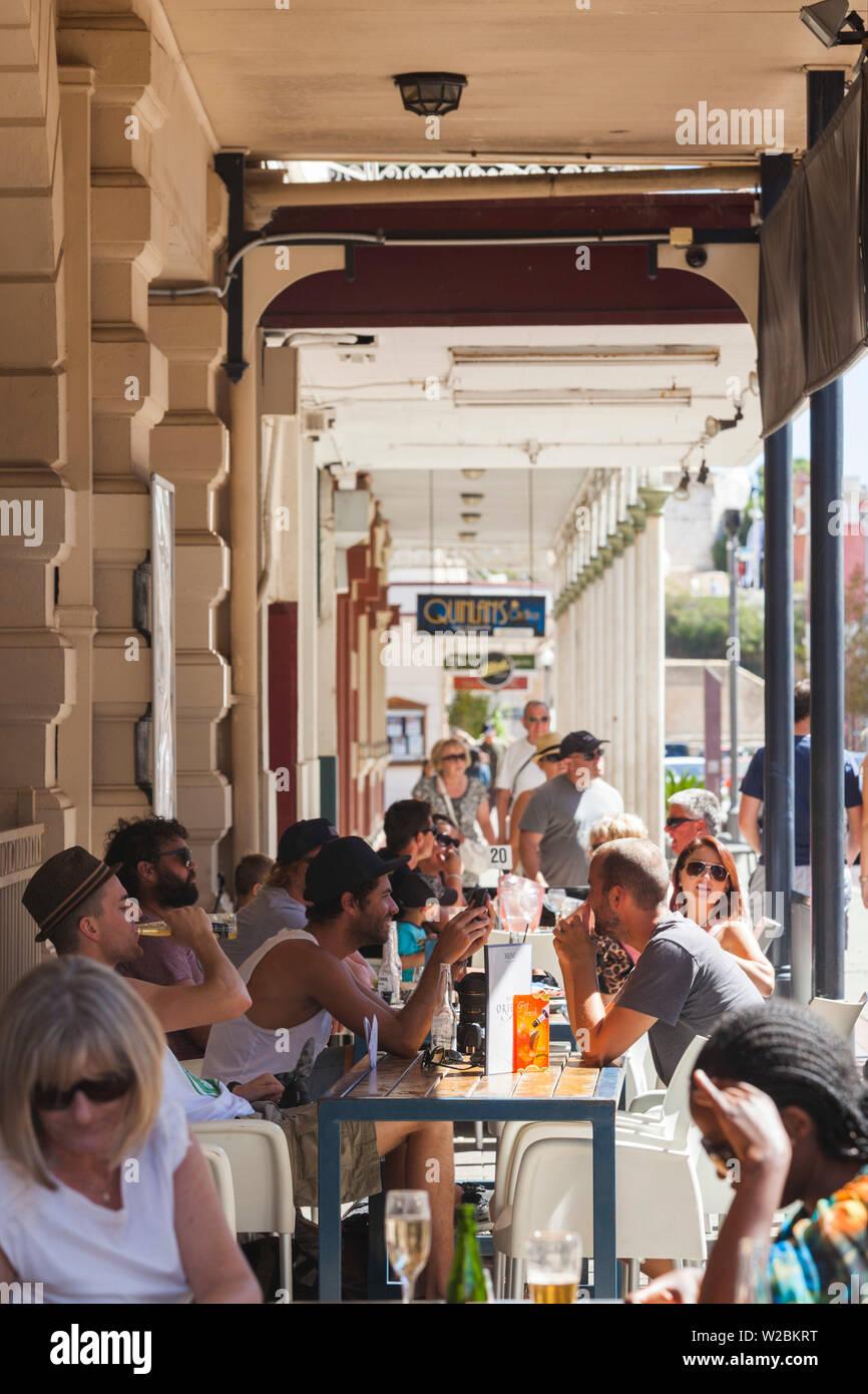 Australia, Australia Occidental, Freemantle, High Street, cafés al aire libre Foto de stock