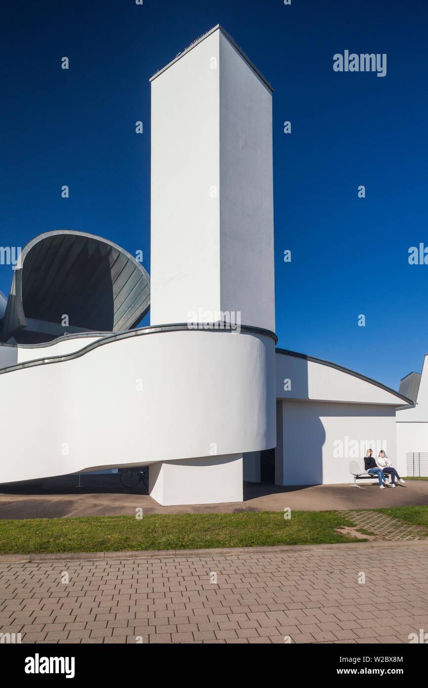 Alemania, Baden-Wurttemburg, Weil am Rhein, Vitra Campus de diseño arquitectónico, el edificio industrial, Frank Gehry, 1989, exterior Imagen De Stock