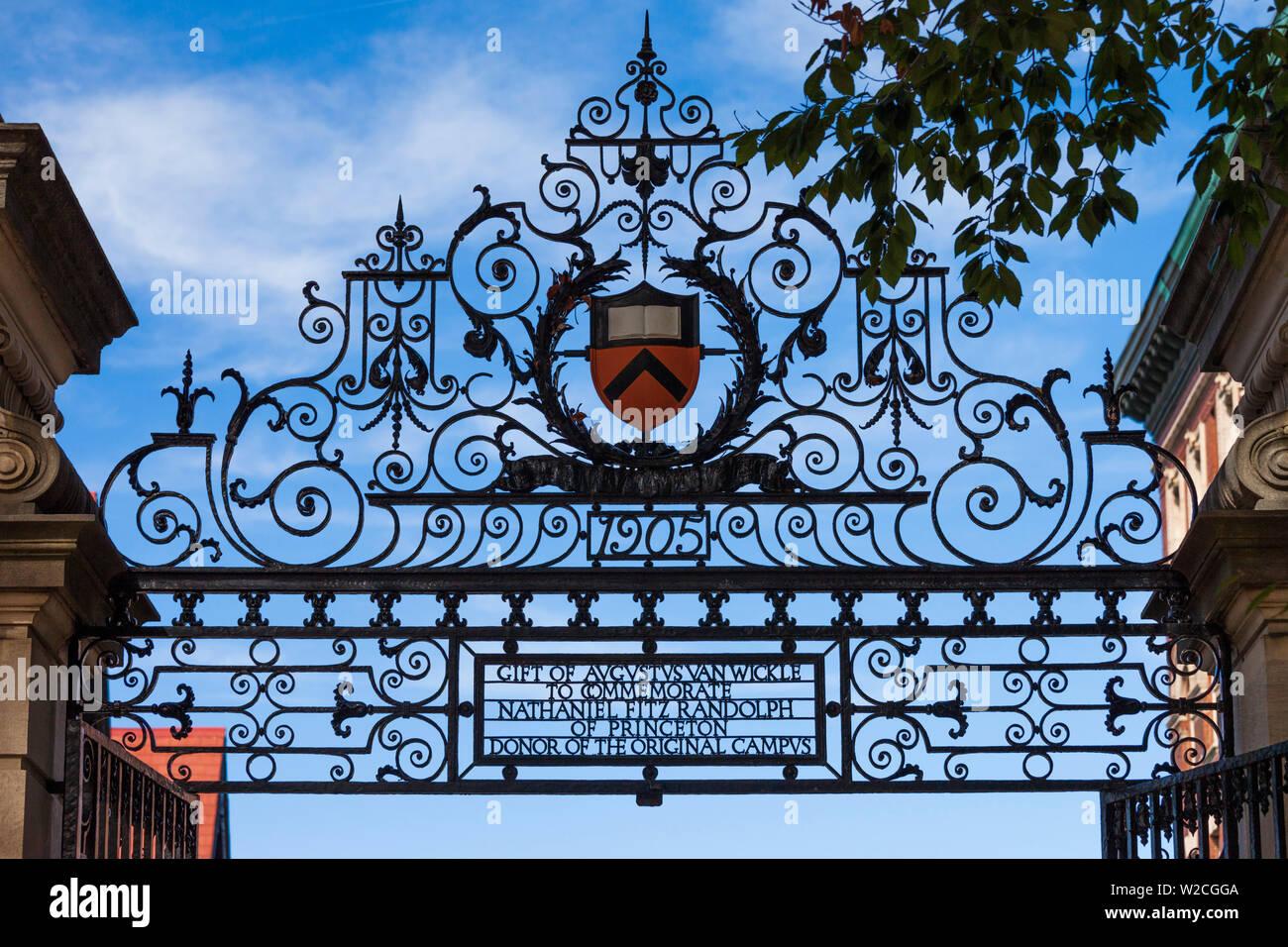 Los Estados Unidos, Nueva Jersey, la Universidad de Princeton, Princeton, campus gate detalle Imagen De Stock