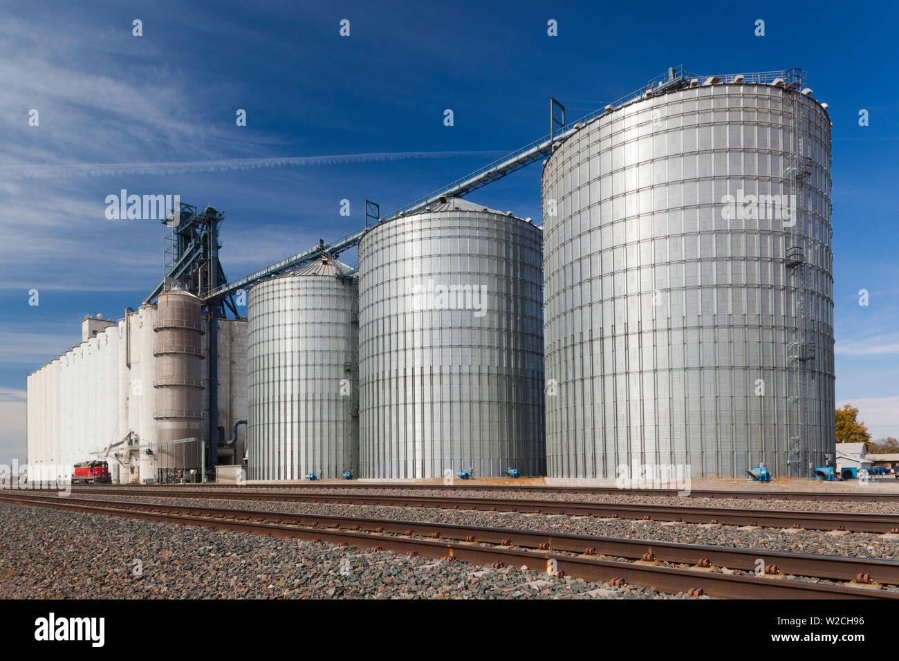 Ee.Uu., Nebraska, Gotemburgo, elevador de granos Foto de stock