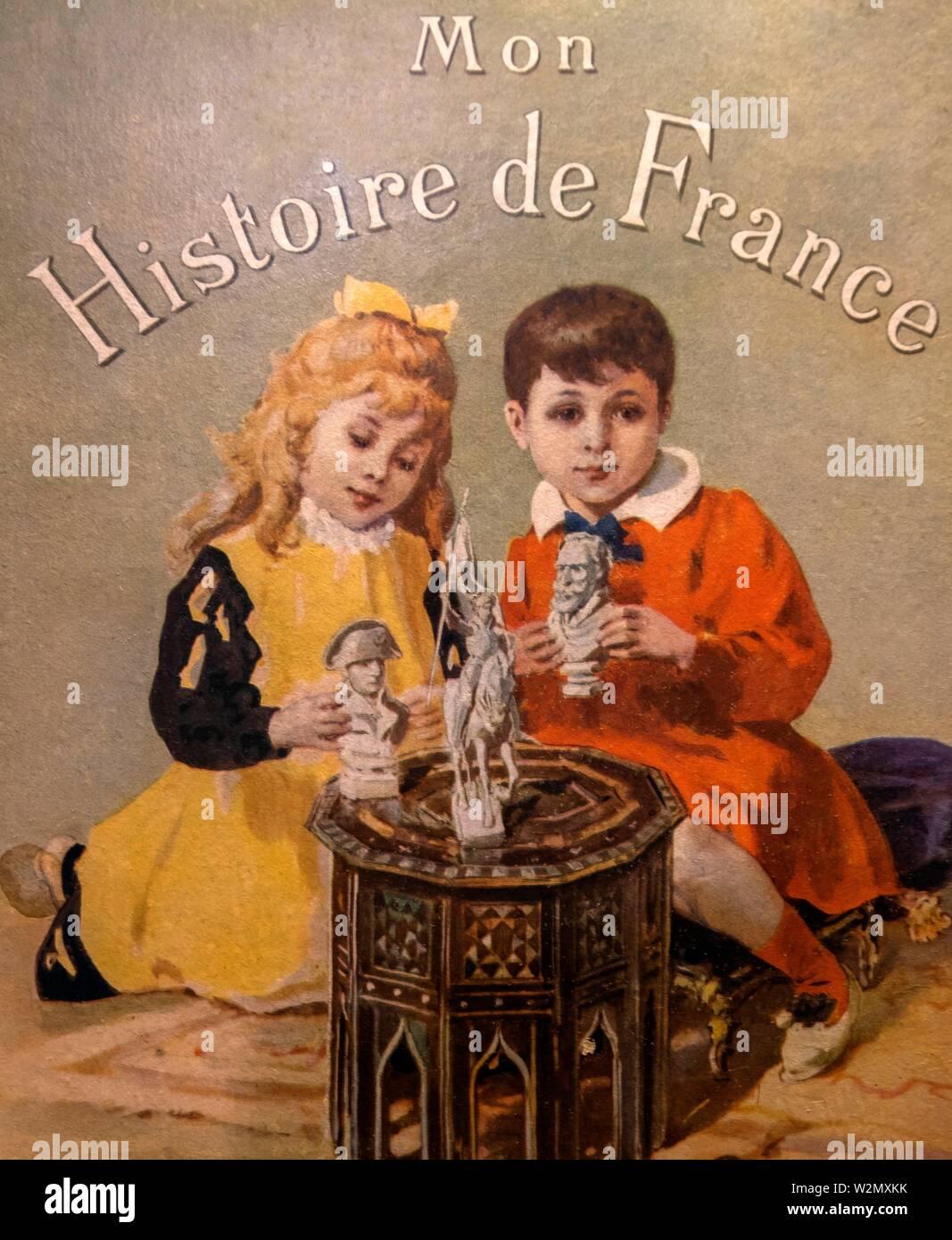 Francia, la cubierta de un libro de historia de Francia para los niños, en 1890. Imagen De Stock