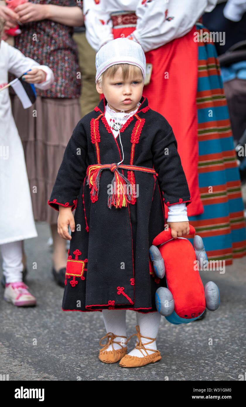 Tallinn Estonia 6 De Julio 2019 Little Boy En El Sur De