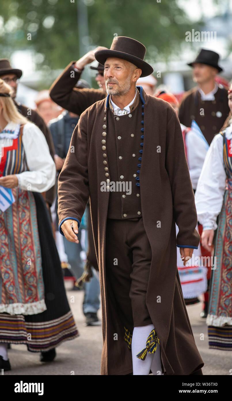 Tallinn Estonia 6 De Julio 2019 El Hombre En El