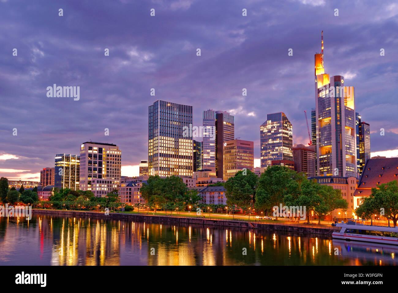 El distrito financiero de Frankfurt, Alemania. Foto de stock