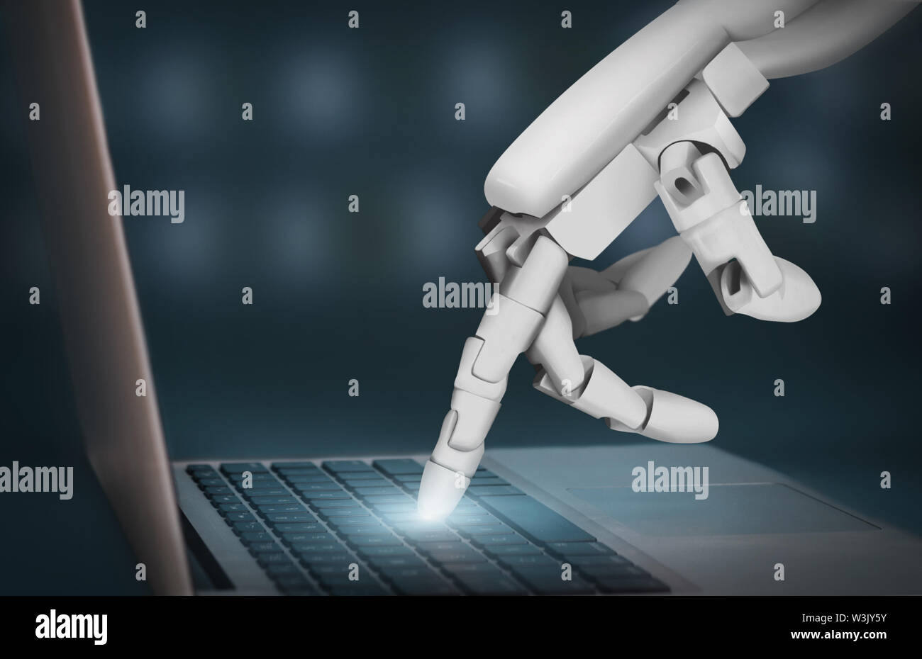 Robot futurista mano escribiendo en el teclado portátil Foto de stock