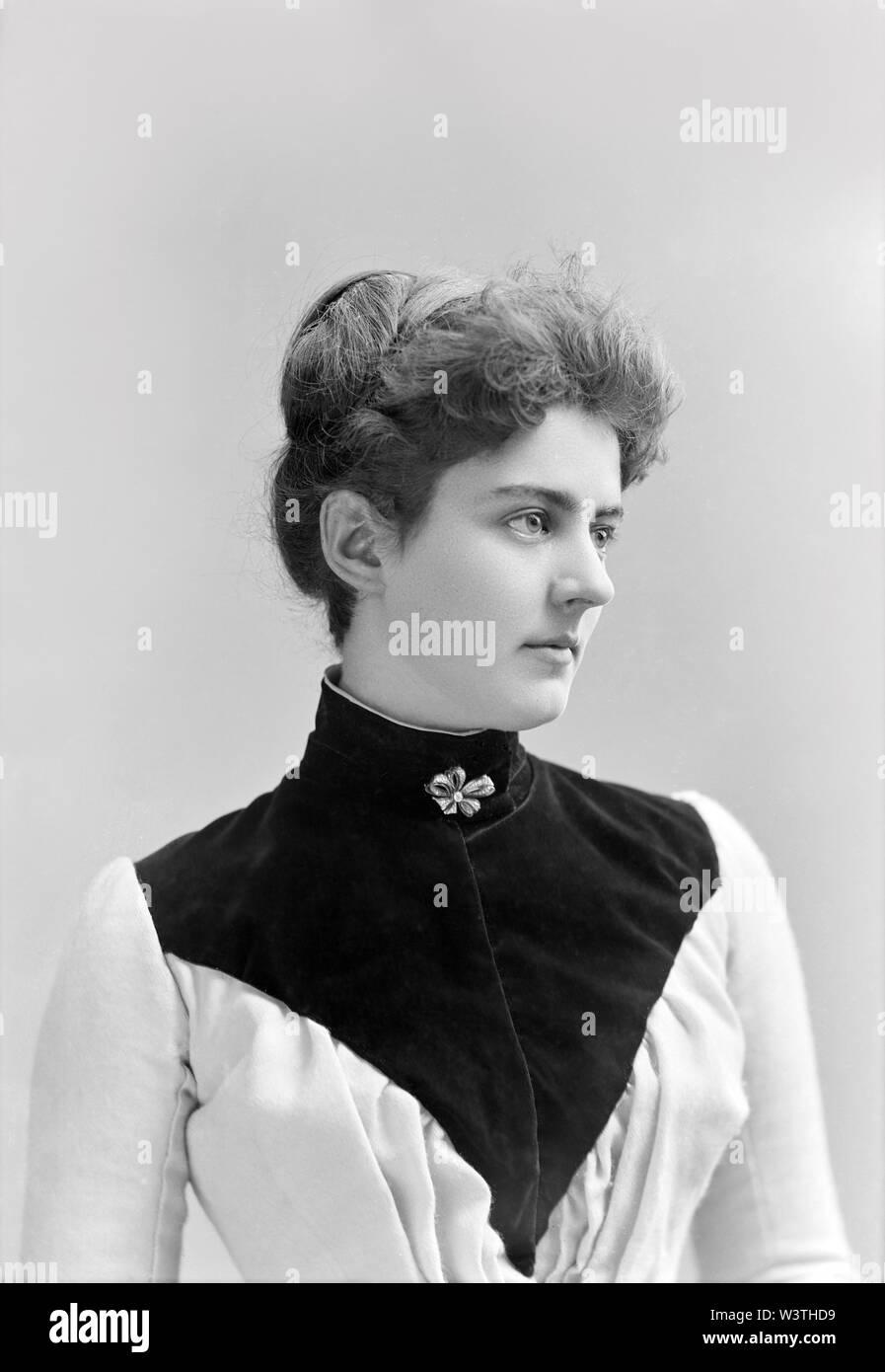 Frances Cleveland (1864-1947), la Primera Dama de los Estados Unidos, 1886-89 y 1893-97, esposa del presidente de Estados Unidos, Grover Cleveland, fotografía por Charles Milton Bell, a finales de 1880 Imagen De Stock