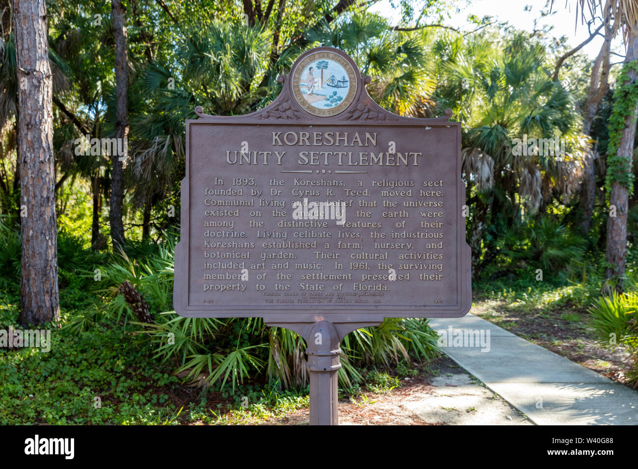 Marcador descripción por motivos de Koreshan arreglo histórico - un siglo xix comuna utópica, Estero, Florida, EE.UU. Foto de stock