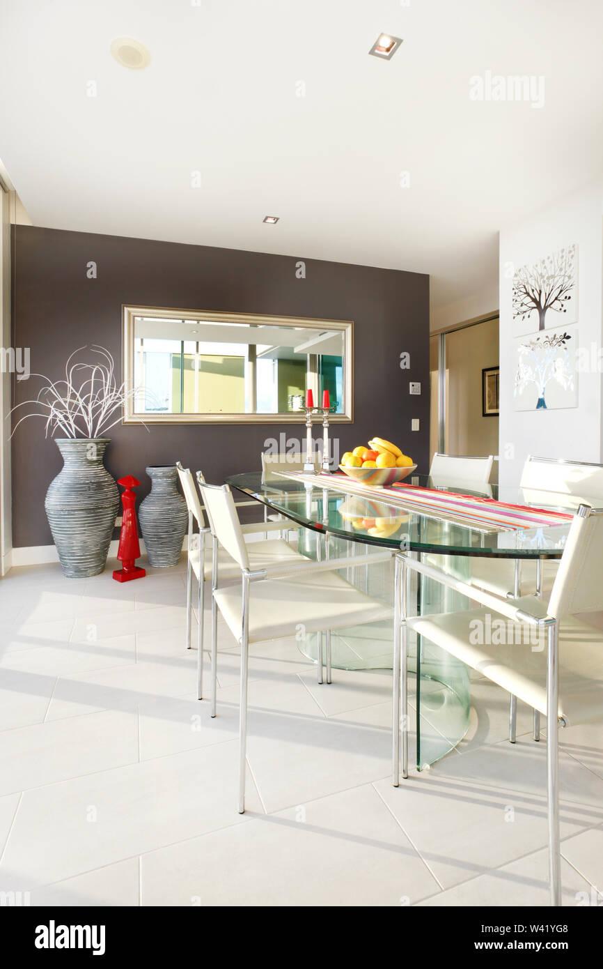 Mesa de comedor con frutas plato, cómodos muebles y diseños ...