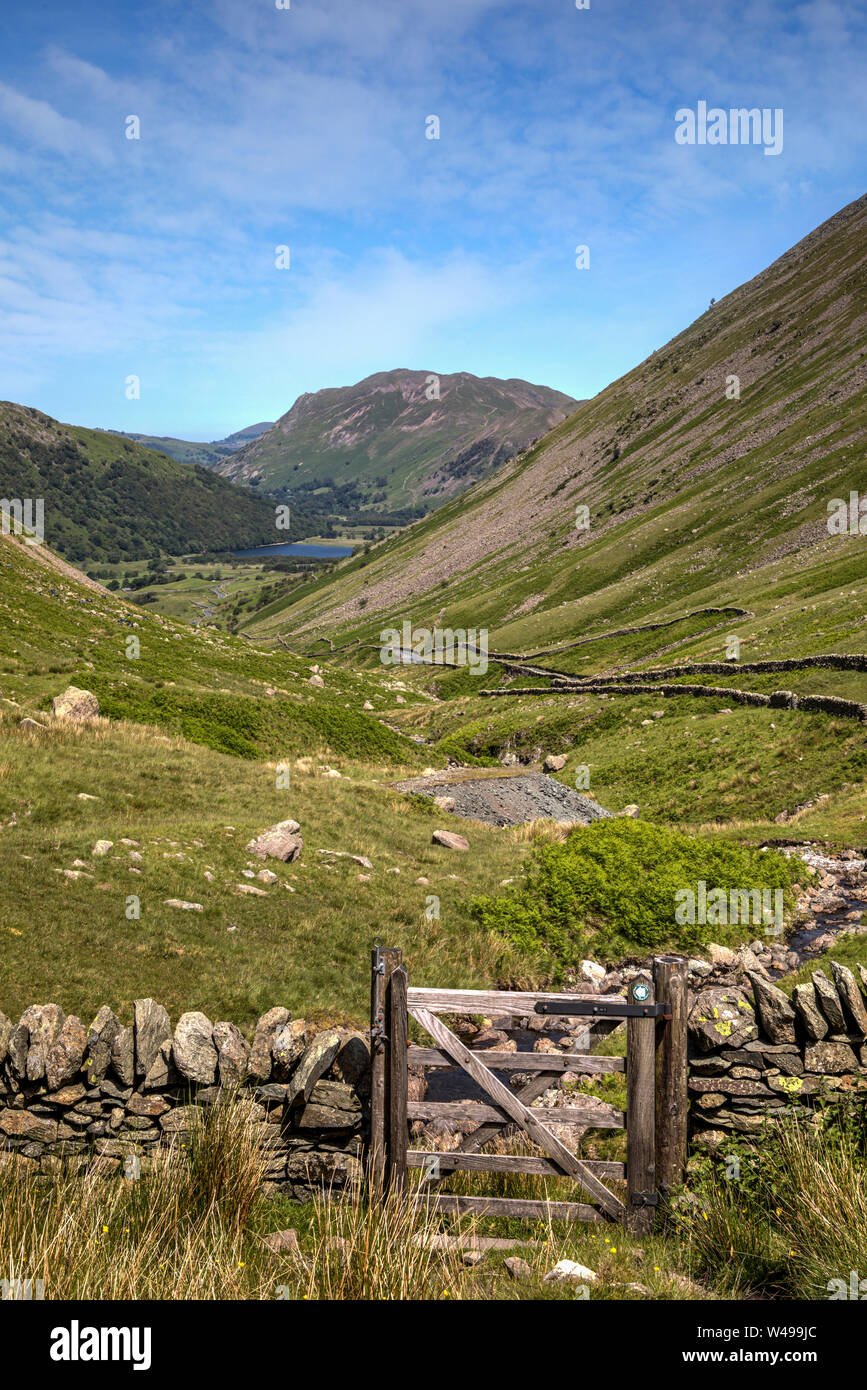 Kirkstone pass Lake District mirando hacia hermanos agua Foto de stock