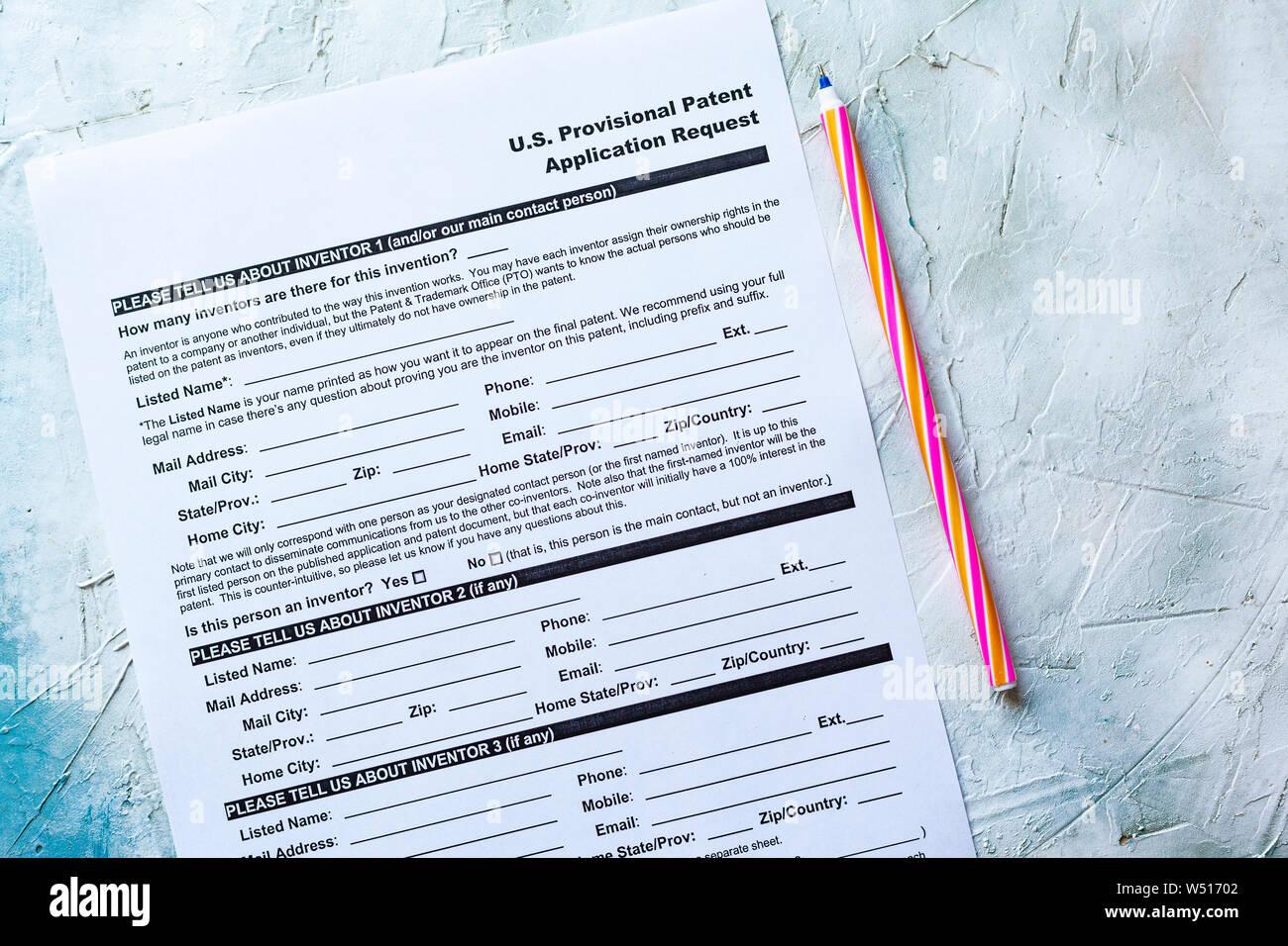 Llenar solicitud provisional de patente de EE.UU. formulario de solicitud Foto de stock