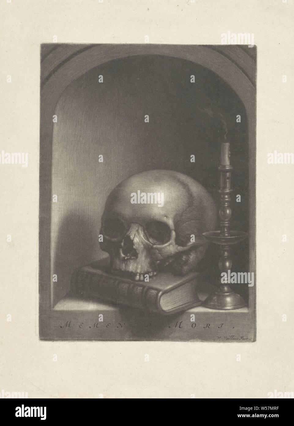 Vanitas bodegón en un nicho Memento Mori (título de objeto), todavía la vida en un nicho con una calavera en un libro y una vela de fumar un candelero., Wallerant Vaillant (mencionado en la película), 1658 - 1677, el papel, la h 224 mm × 163 mm w Foto de stock