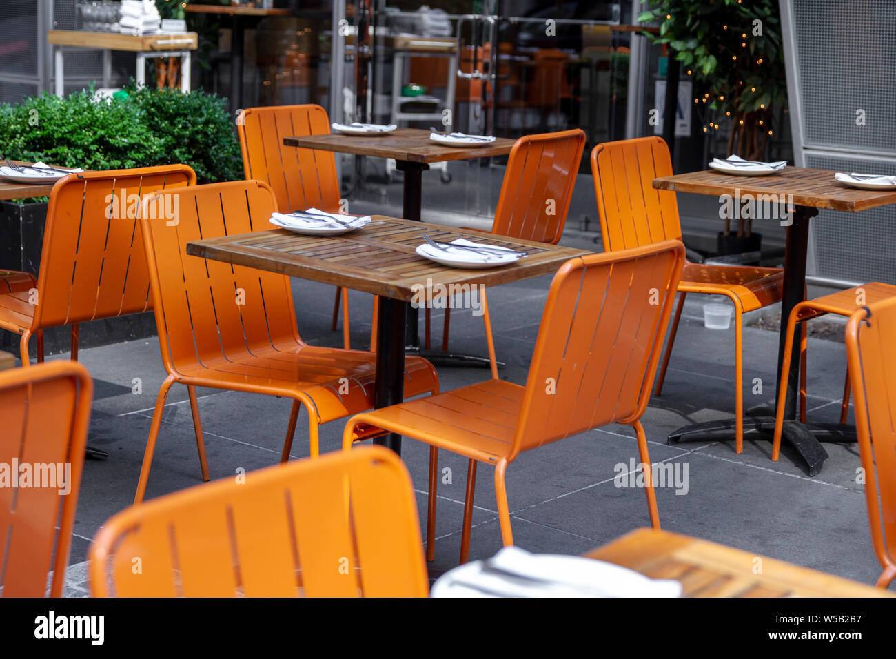 Comedor exterior Foto & Imagen De Stock: 261472155 - Alamy