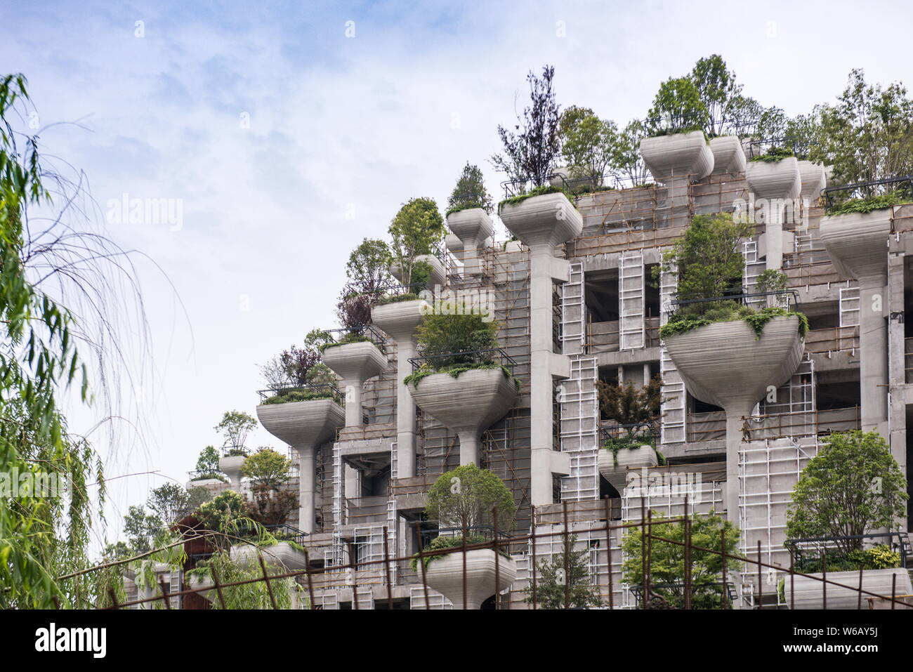 Una Vista De Edificios De Gran Altura Con Terrazas De Distintas