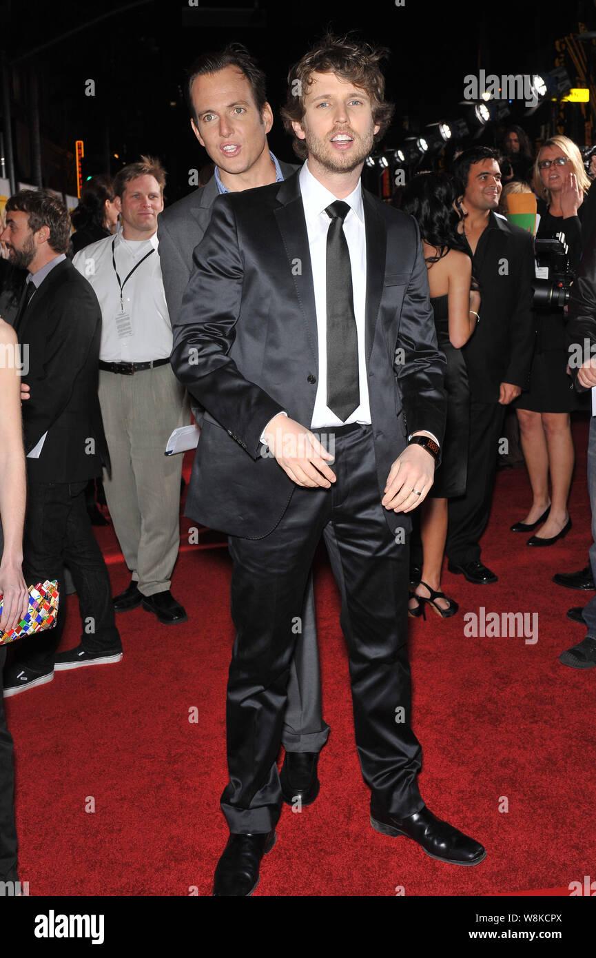 """LOS ANGELES, CA. Enero 27, 2010: Arnett & Jon Heder en el estreno mundial de su nueva película """"Cuando en Roma' en el Capitan Theatre de Hollywood. © 2010 Paul Smith / Featureflash Foto de stock"""