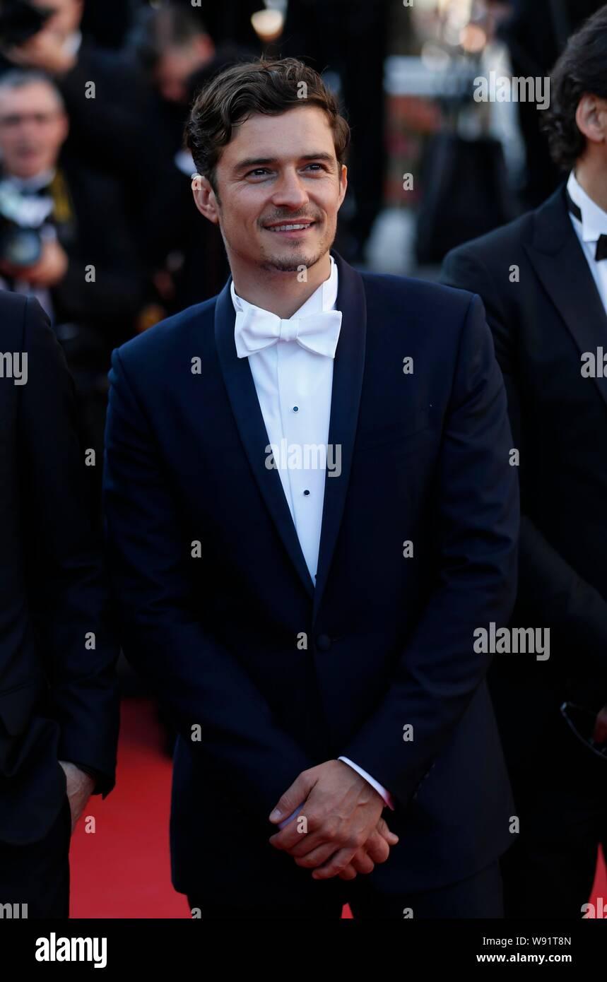 El actor inglés Orlando Bloom llega a la alfombra roja para