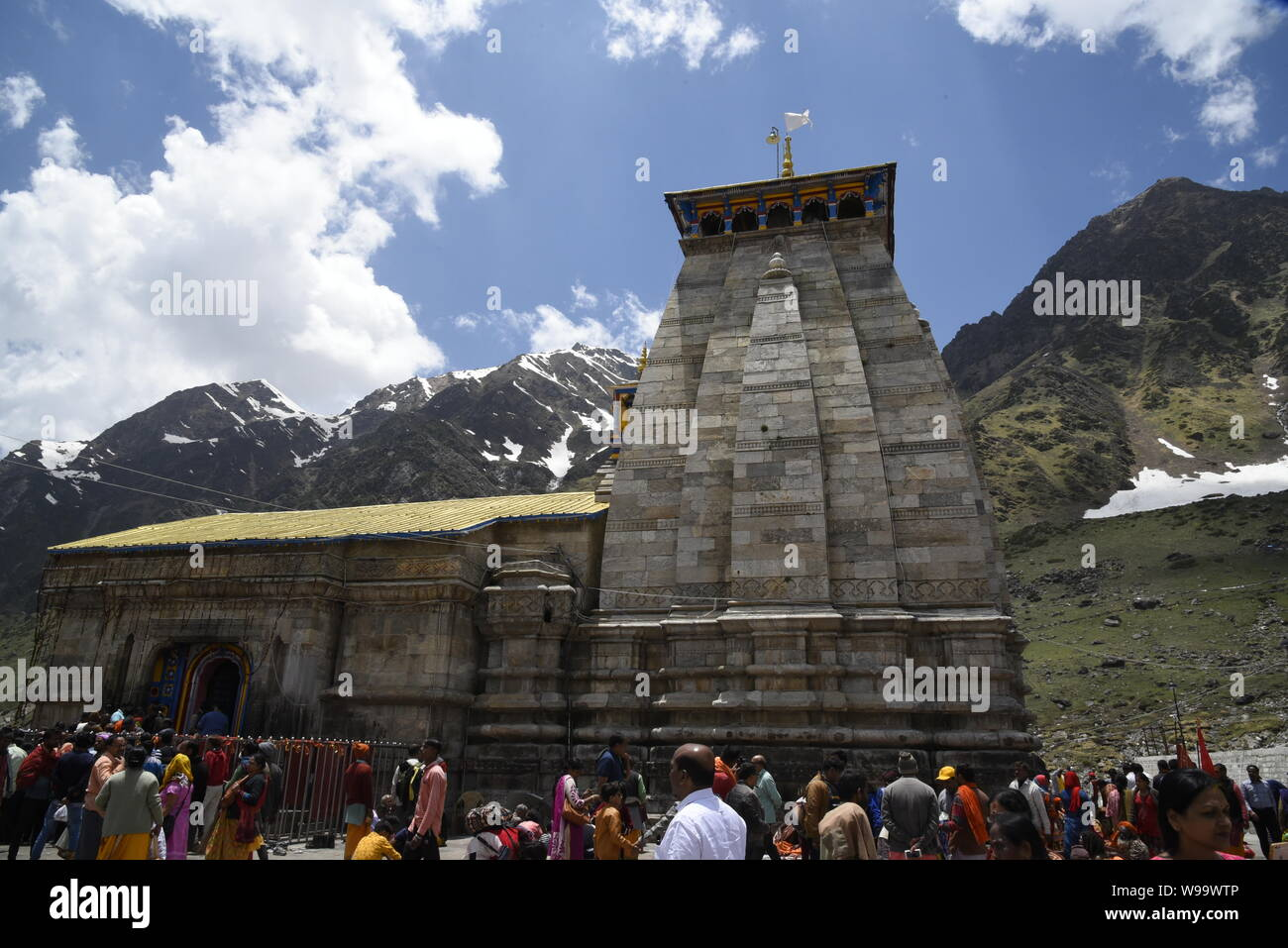 Santo Templo Hindú del Señor Shri Kedarnath Shankar Templo Bholenath 2019 vista en el distrito de Chamoli/Rudraprayag , Uttrakhand , India , Asia Foto de stock