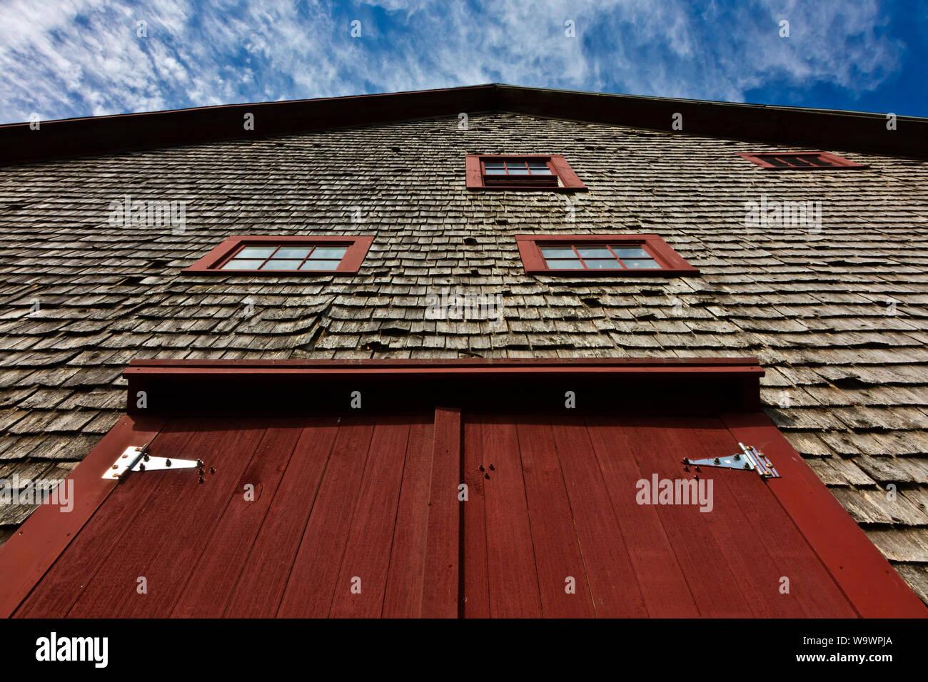 Un granero en una granja de Nueva Inglaterra - Blue Hill, Maine Foto de stock