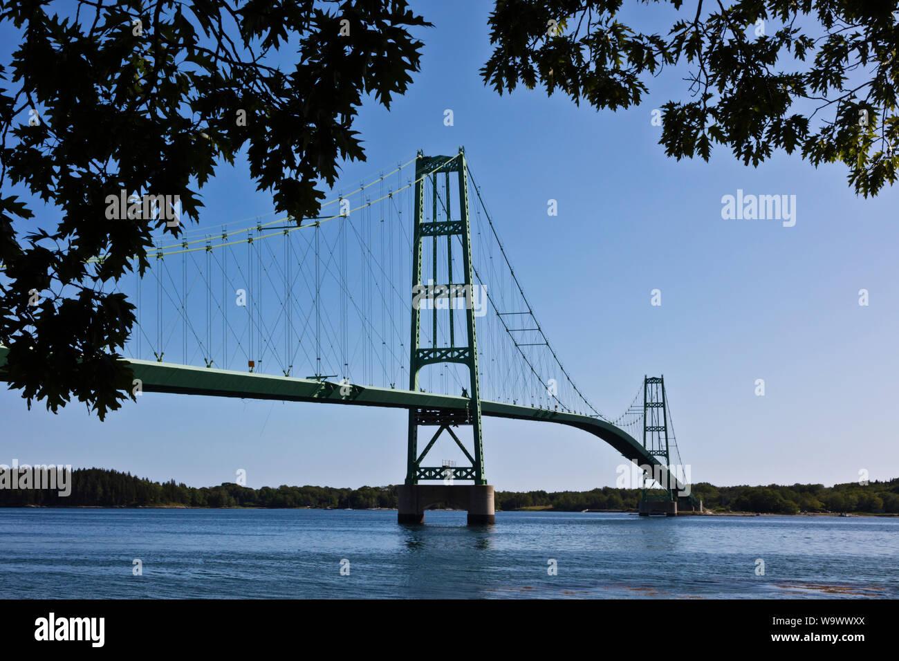 DEER ISLAND puente conecta la isla con tierra firme - Deer Island, Maine Foto de stock