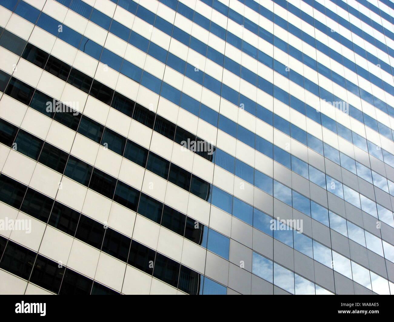 Visión abstracta de edificios altos Foto de stock