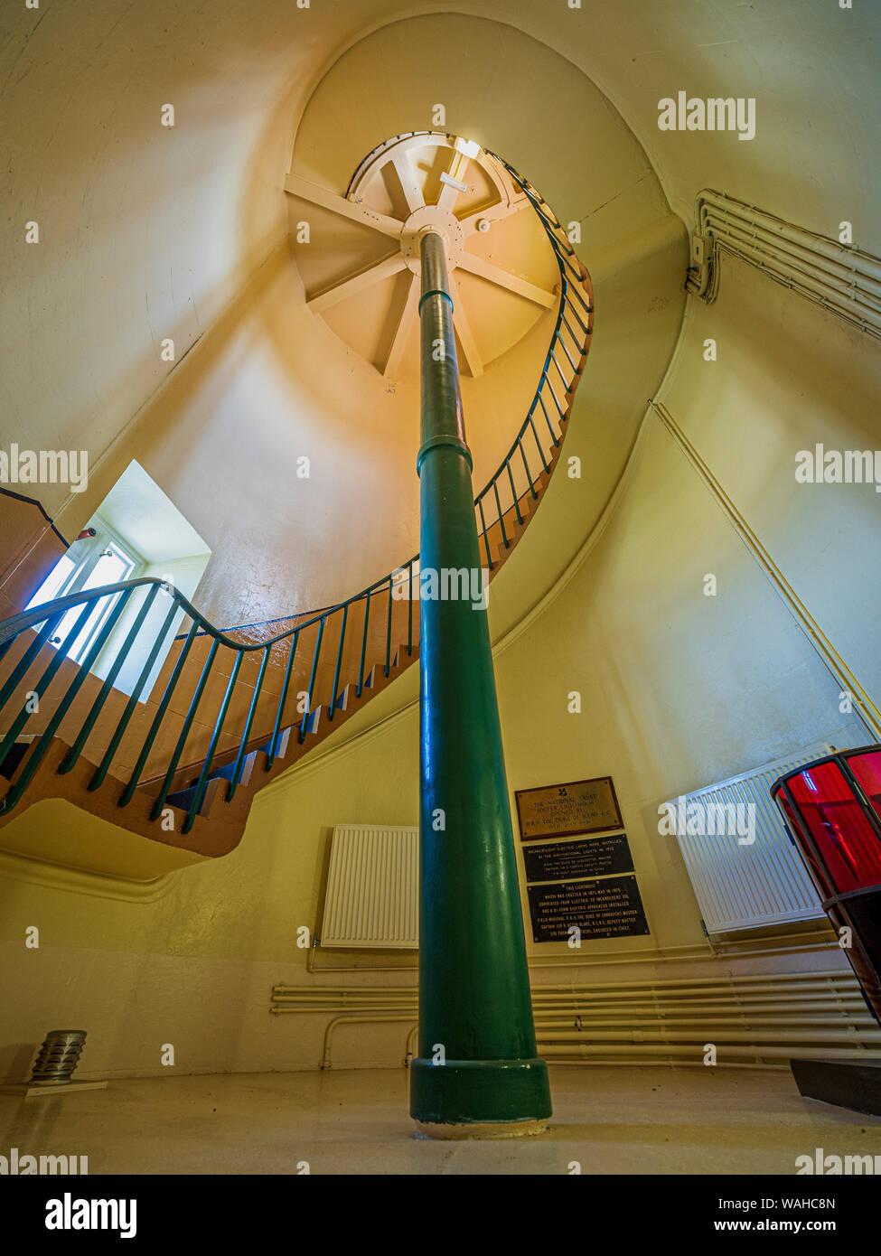 Una escalera interior de caracol, Souter Lighthouse en la aldea de Marsden, South Shields, Tyne & Desgaste, Reino Unido. Foto de stock