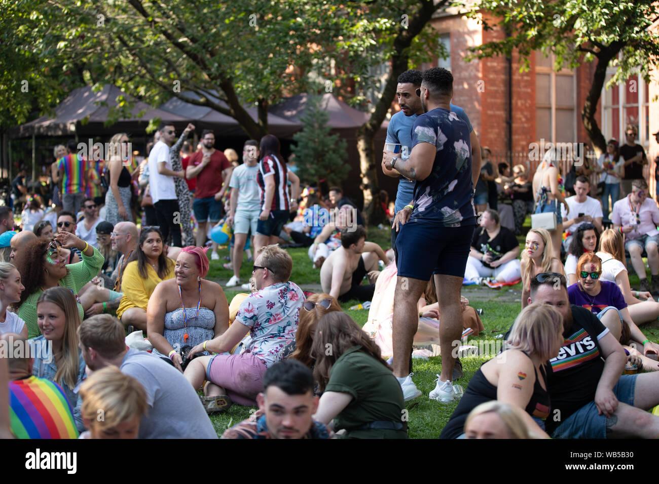 Manchester, Reino Unido, 24 de 4 de agosto de 2019. Las personas asistir a Manchester orgullo. Orgullo de Manchester está organizada para celebrar una gran variedad de sexualidades. Crédito: Jonathan Nicholson/Alamy Live News. Foto de stock